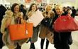 Tuyệt chiêu giúp teen tiết kiệm núi tiền mua sắm khi du lịch nước ngoài