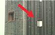 Chẳng ai biết vì sao các tòa nhà chọc trời ở Hong Kong có cái lỗ này. Lý do là...