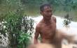Vớt quả bóng rơi xuống đập, 2 em nhỏ đuối nước thương tâm ở Nghệ An