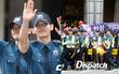 Hai mỹ nam Siwon và Changmin xuất ngũ, bảo an tạo thành hàng rào bảo vệ nghiêm ngặt