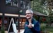 Săm soi một ngày của Tim Cook, người đàn ông quyền lực đứng đằng sau chiếc iPhone X giá nghìn USD