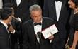 """Scandal tồi tệ nhất lịch sử Oscar: MC công bố nhầm giải thưởng """"Phim hay nhất"""" cho La La Land"""