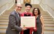 Cuối cùng ông chủ Facebook cũng quay về trường nhận bằng tốt nghiệp sau 12 năm bỏ học