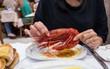 Ghé thăm nhà hàng hải sản hàng đầu ở Lisbon (Bồ Đào Nha) để thấy đẳng cấp món ăn hải sản là như thế nào