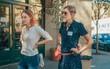 """Vứt sổ điểm của thầy vào sọt rác, không ngần ngại bắt chuyện với crush – Chính là """"Lady Bird"""" của Greta Gerwig!"""
