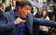 Fan anh hùng cơ bắp Sylvester Stallone được phen hú hồn khi tài tử dính phải tin đồn qua đời