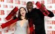 """Brit Awards 2018: Hai cái tên trẻ măng đánh bật """"hội người già"""" để ẵm hết giải bự"""