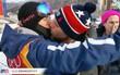Nụ hôn đồng tính gây sốt ở Olympic mùa đông Pyeongchang 2018