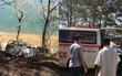 Hai cha con chết cháy trong ô tô: Người mẹ trẻ khóc ngất gọi con