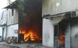 Sau tiếng nổ, lửa bao trùm công ty gỗ ở Bình Dương