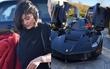 Kylie Jenner được bạn trai thưởng siêu xe hàng khủng 31 tỷ đồng vì công mang nặng đẻ đau