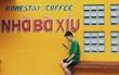 """Để ý mới thấy, khắp Việt Nam có rất nhiều quán có bức tường vàng """"thần thánh"""" để check in sống ảo khi đi du lịch"""