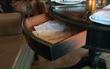Bí mật trong nhà hàng mà mọi khách đều biết trừ cô chủ, cho đến khi phát hiện chiếc ngăn kéo mới vỡ lẽ ra