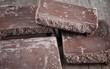 Phát hiện mảng trắng trên bề mặt chocolate, bạn ăn tiếp hay vứt bỏ chúng?Khoa học giải đáp rồi đây
