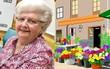 Vẽ trên máy tính bằng Paint, cụ bà 87 tuổi trở thành hot Instagramer vì những bức tranh quá xuất sắc