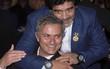 """Mourinho dẫn dắt """"Tia chớp"""" Usain Bolt đánh bại đội bóng của Maradona"""