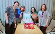Kelvin Khánh rạng rỡ, cùng bà xã Khởi My tổ chức sinh nhật cho mẹ vợ