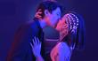 Hôn nhẹ kiểu Hàn đã lỗi thời rồi, phải hôn sâu, hôn cuồng nhiệt mới đúng trend nhé