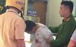 Người đàn ông cầm vật giống súng lao vào cướp tiệm vàng trên phố Hà Nội trong đêm