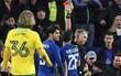 Bị đuổi 2 cầu thủ, Chelsea vất vả hạ Norwich ở loạt sút luân lưu