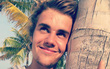 Justin Bieber vừa ám chỉ đã chia tay với Selena Gomez?