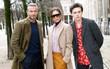 """Dắt díu nhau dự show Louis Vuitton, Victoria Beckham trông """"cool ngầu"""" chẳng kém chồng và con trai"""