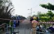 Vụ sập cầu Long Kiển ở Sài Gòn: Công an tạm giữ tài xế xe tải, bố trí lộ trình mới cho phương tiện qua khu vực