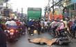 Nam thanh niên va chạm với xe rác ở Sài Gòn, bị cán tử vong tại chỗ