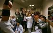Như quên hết đau ốm, nhiều bệnh nhân nhảy lên sung sướng khi U23 Việt Nam xuất sắc tiến thẳng vào chung kết