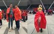 Cảm xúc vỡ òa của du học sinh TQ tại SVĐ Thường Châu: Đi 1000 km để ủng hộ các cầu thủ, vui phát khóc trước chiến thắng của U23 Việt Nam