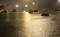 Sân bay Tân Sơn Nhất ngập nặng vì mưa lớn kéo dài, nhiều chuyến bay phải hoãn
