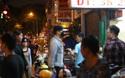 Cập nhật: Vừa đến Việt Nam, Bi Rain đã đi thử ngay món chả giò cua biển