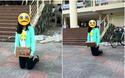 """Hình ảnh """"hot"""" nhất ngày: Cô gái quỳ giữa sân trường, ôm tấm biển """"Em xin lỗi, em đã phản bội anh"""""""