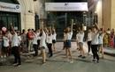 Thí sinh dự thi Vietnam's Talent Tour tự tin thể hiện tài năng trên phố đi bộ trước hàng ngàn khán giả