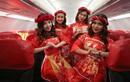 Thích thú với màn nhảy sôi động của dàn tiếp viên hàng không trên chuyến bay đến Kuala Lumpur