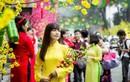 Tết này, có một Sài Gòn ngập tràn trong sắc đỏ của may mắn, niềm tin và hy vọng