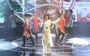 """Văn Mai Hương hóa nàng thơ với áo dài trắng tinh khôi trên sân khấu Gala""""Cặp lá yêu thương – Tết An Bình"""""""