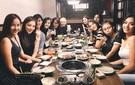"""Lan Khuê vui vẻ hẹn hò ăn tối cùng các thí sinh team Phạm Hương giữa ồn ào của """"The Face"""""""