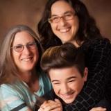 Khi bạn có 2 người mẹ trong cuộc đời, thế giới cũng tuyệt vời và ngập tràn hạnh phúc