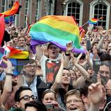 Thủ tướng Đức lên tiếng ủng hộ dự luật hôn nhân đồng giới
