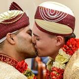 Đám cưới đồng tính Hồi giáo đầu tiên tại Anh: Cặp đôi từng muốn tự tử do bị kỳ thị và bắt nạt