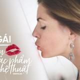 Cô gái biến nụ hôn của mình thành những tác phẩm nghệ thuật rực rỡ