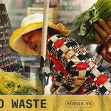 Gánh hàng nước nói không với đồ nhựa của anh chàng vừa lạ vừa quen ở Nha Trang: Thay nắp nhựa bằng... bánh tráng - ảnh 15
