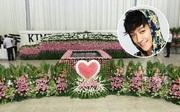 Nhà tang lễ tràn ngập hoa hồng trước ngày tiễn biệt Kiều Nhậm Lương về nơi an nghỉ cuối cùng