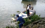 Thi thể nam thanh niên đeo balo chứa gạch đá trôi trên sông Sài Gòn