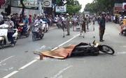 Xe cứu thương tông chết người đàn ông ở Sài Gòn