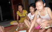 Nhẹ dạ, thiếu nữ 15 tuổi ở Ninh Bình bị lừa lên Hà Nội sống cảnh cơm tù trong phòng kín có chó dữ canh