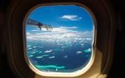 """Hành khách đòi ngồi gần cửa sổ máy bay, tiếp viên bèn chiều ý theo cách không thể """"nhôm nhá"""" hơn"""