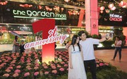 Mãn nhãn với bánh sinh nhật hoa cẩm tú cầu khổng lồ của The Garden Mall