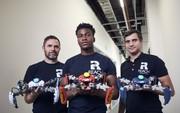 CEO 27 tuổi tạo ra robot chơi game đầu tiên trên thế giới, được Apple và Amazon mời hợp tác độc quyền